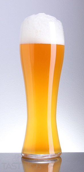 Beer Glass Hefeweizen Cloudy Gold.jpg