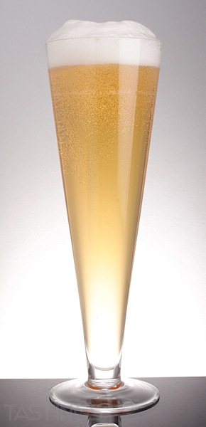 Beer Glass Pilsner Gold.jpg